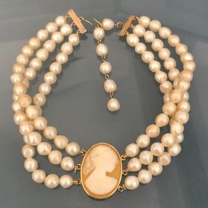 Vintage cameo and pearl choker necklace